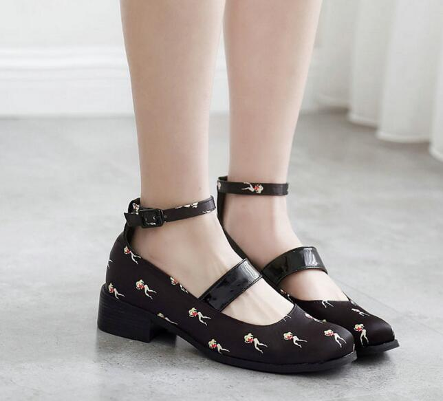 ФОТО Women Ankle Buckle Printed Medium Heel Shoes Patent PU Leather Pumps Ladies Designer Shoes Japanese Style Free Shipping