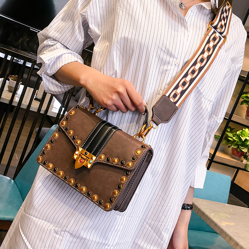 все цены на Luxury Handbags Women Bags Designer Shoulder Clutch Chain Leather Messenger Small Crossbody Bags For Women 2018 bolsa feminina