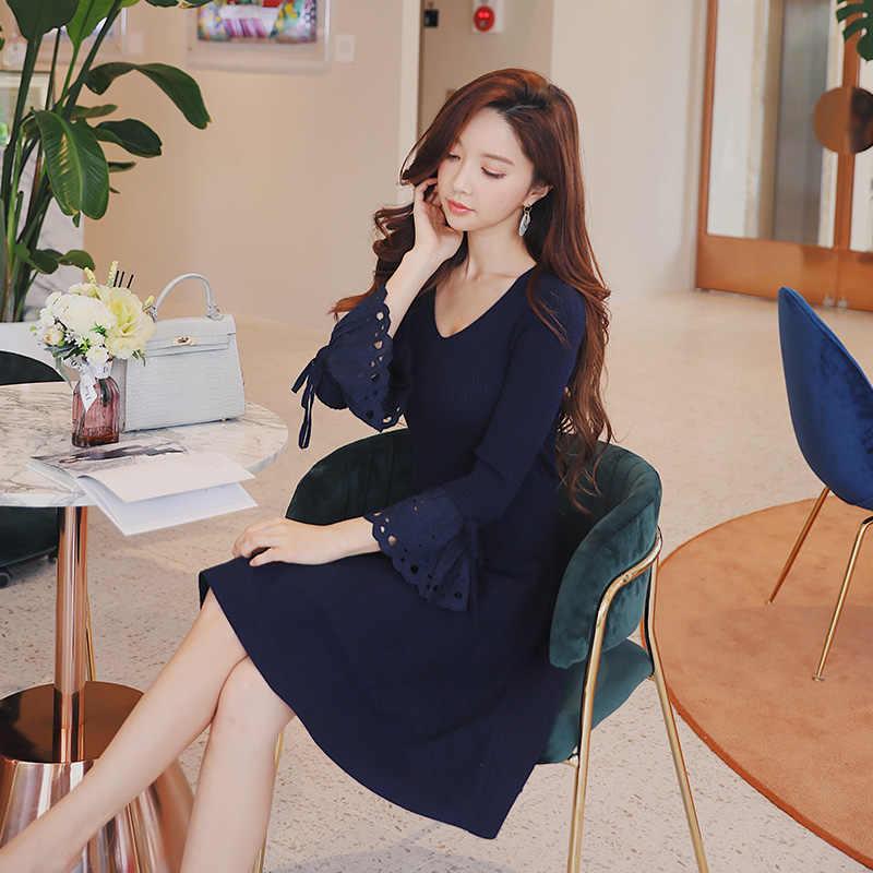 af40bdc514dfd Dabuwawa Autumn Spring Swing Midi Dress Women Sexy V-Neck Petal Sleeve Ball  Gown Dresses Lady Party Elegant Dress Navy Blue 2018
