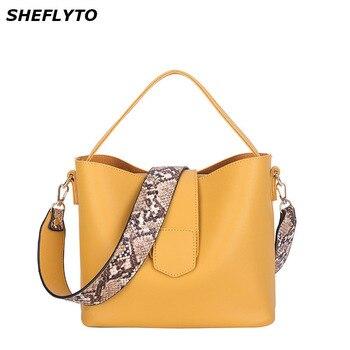 d5818a8c586d4 Moda deri çantalar Kadın Kova Tasarımcı omuz çantaları Kadın Büyük  Kapasiteli çapraz postacı çantası Kızlar Rahat Tote
