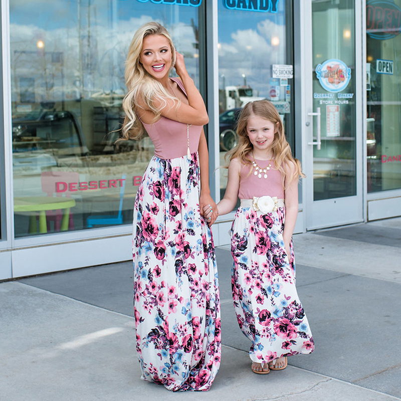 Mother daughter dresses Mommy and me Bohemian flowers long mom and daughter dress kids mum girl outfits family matching clothes telle mère telle fille vetement