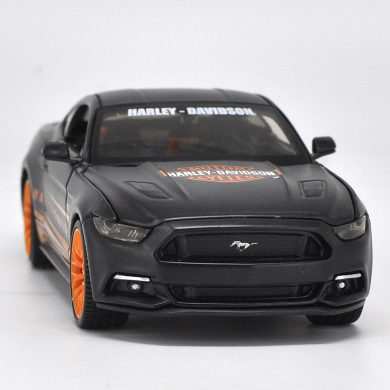 Die-cast Metal Vehicle 1:24 Car Models Coche mkd3 Scale Simulation Auto Toys for Children Muscle Sports Car Ford Mustang GT 2015