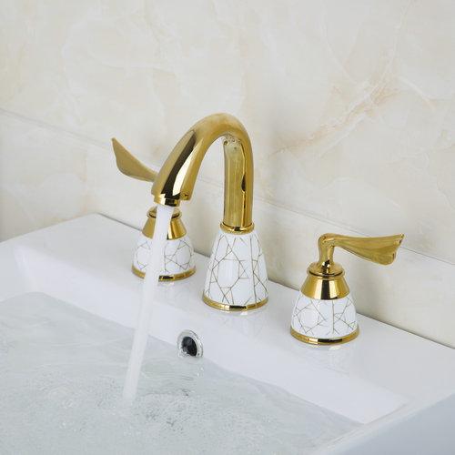 Luxury Golden 3 Pieces Double Handles Deck Mounted Bathroom Bathtub Torneira Basin Sink Brass Faucet Mixer Taps luxury deck mounted golden polish batub faucet double handles swan spout hot