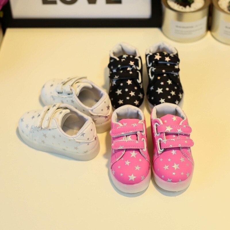 Fashion Children s Luminous Shoes Stars Print Girls Flat Shoes LED Luminous  Shoes Non-slip Wear-resistant Children s Sho edbbe56f81c4