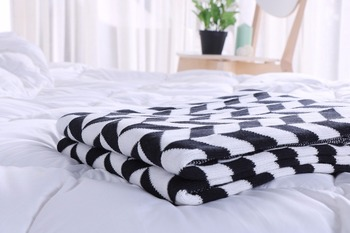 Drop Shipping Fahion black and white cotton Knit Blankets Plaid Throw Blanket On the Bed sofa Bedspread cover bed 120*160cm