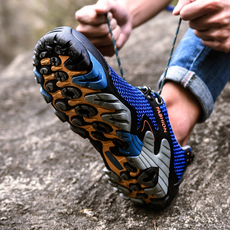 2018 Men Sneakers Outdoor Sports Shoes Running Shoes for Men Non-slip Off-road Jogging Walking Trainers Breathable Tactics Shoes