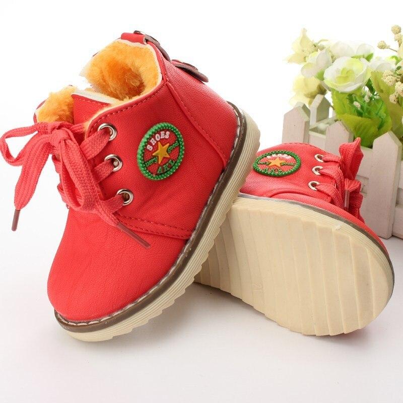 Inverno Caldo Bambino stivali scarpe di cotone Peluche piatto con ragazze  dei ragazzi scarponi da neve scarpe per bambini scarpe bambino bambino  bambino ... 758b9ee3c5f