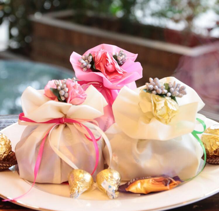 웨딩 부탁 테이블 장식 용품에 대 한 꽃 부케와 이탈리아 스타일 결혼식 호의 사탕 선물 가방 원사 주머니