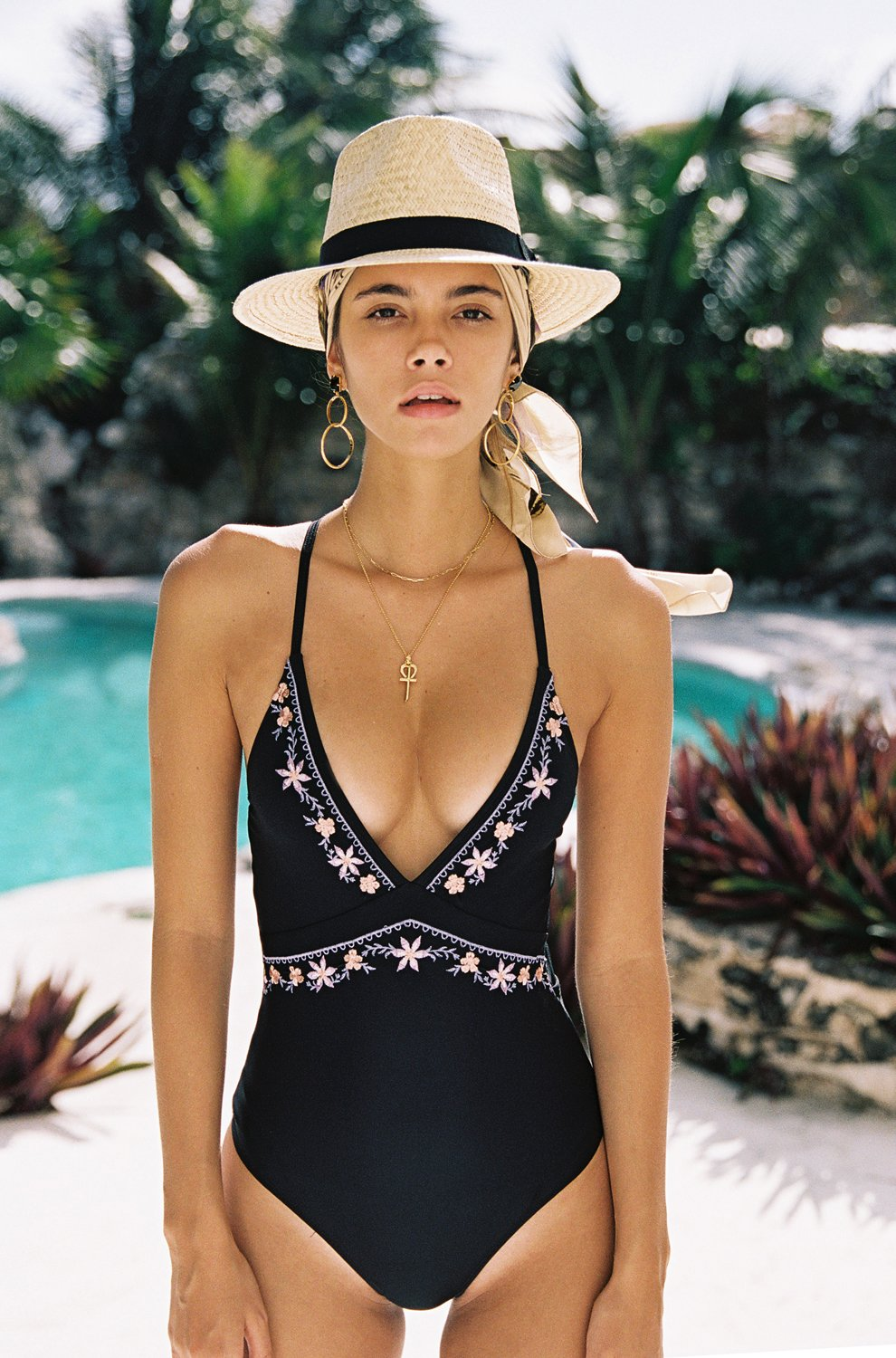 M&M 2019 New Hand Embroidery flower sexy One Piece Swimwear Women Deep V-neck Bathing Suit Beach Backless Swimsuit sexy black v neck rose embroidery sleeveless cami