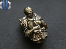 EDC Vintage Vicissitude Knight Brass Crusader Armor Warrior Knife Umbrella Rope Buckle Key Drop Beads