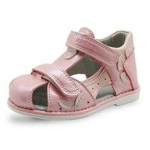Apakowa/летние сандалии для девочек из искусственной кожи; ортопедические туфли на плоской подошве для маленьких девочек; детская обувь с закрытым носком; Eur20-25