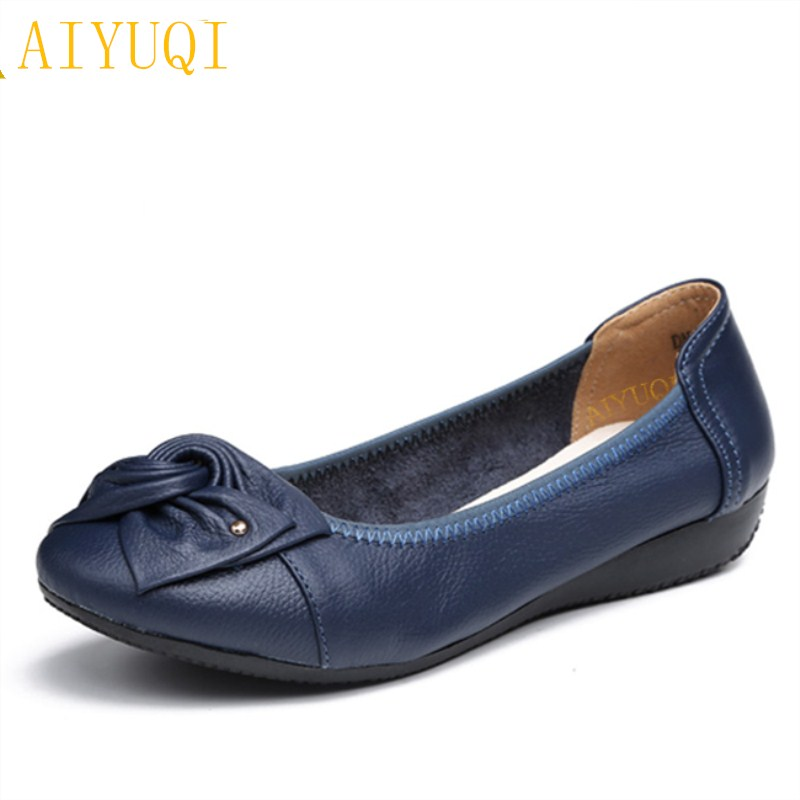 AIYUQ2018 spring genuine leather women's flat shoes. large size 41#42#43# casual soft bottom, comfortable mother's shoes women spring autumn soft bottom genuine leather comfortable flats large size women shoes flat with lace casual shoes elderly shoes