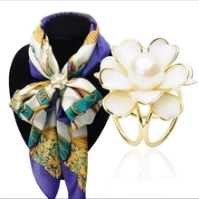 Korean Female Simple Black/White Plastic Camellia Flower Scarf Buckle Scarf Brooch Jewelry Pin Nice Charms Women Gift