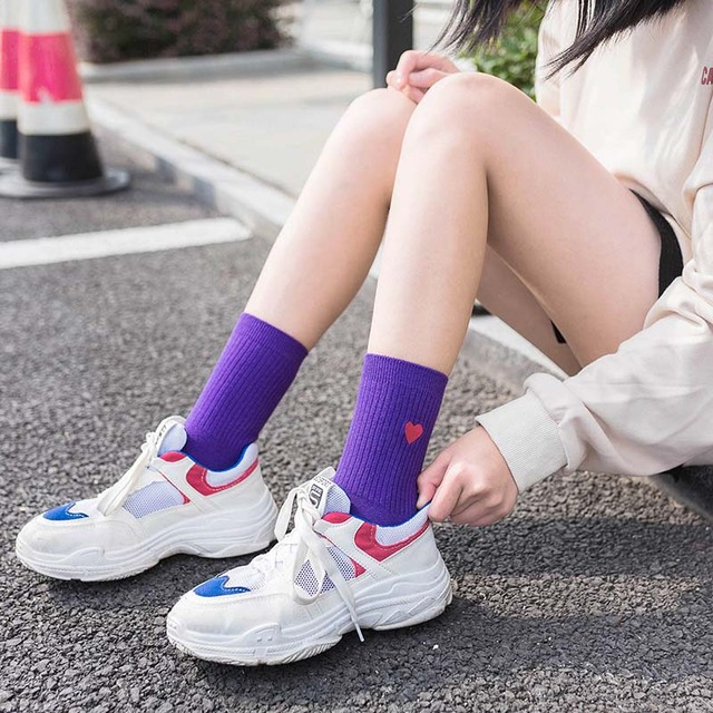 Autumn/Winter Fashion Love Heart Embroidery Women Socks Pure Color Streets Japanese Harajuku College Style Socks Antiskid Sox 2