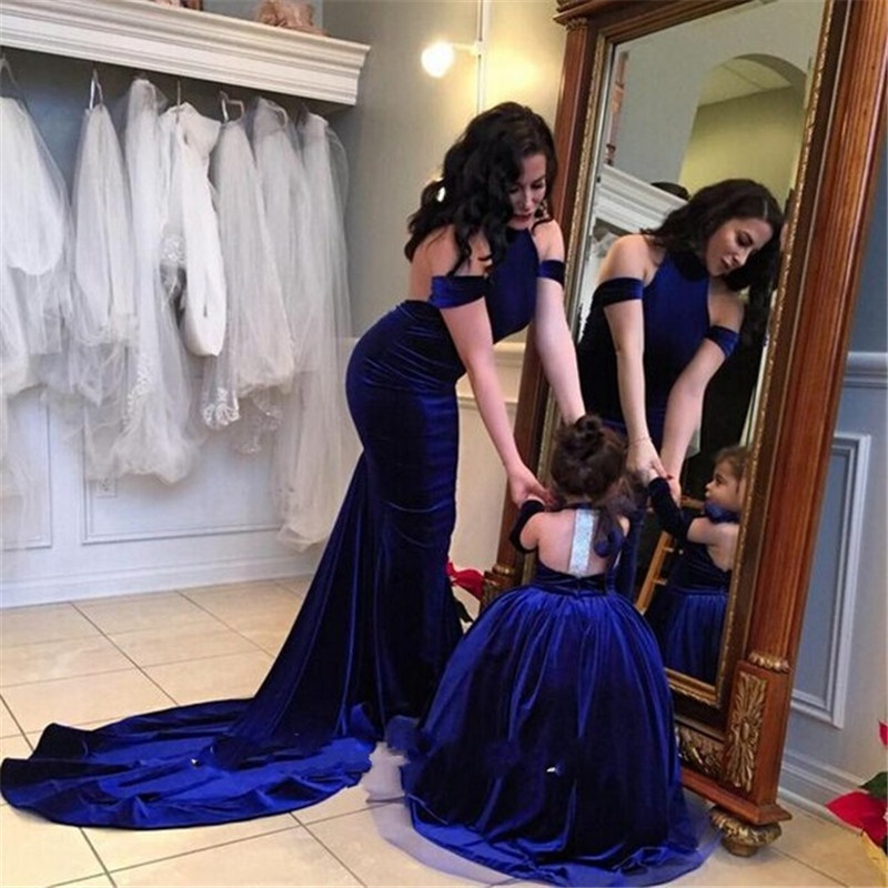 Lavish Royal Blue Halter Neck Mermaid Velour   Evening     Dresses   2019 Sexy Slim Cut Backless Formal   Dress   Robe De Soiree Longo Abiye
