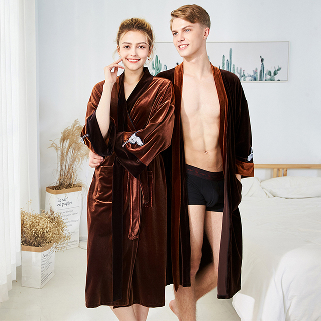 da3a79d82087 Women Autumn Winter Sleepwear Pajamas Robe 2018 Velvet Flannel Nightgown  Matching Couples Pajamas Bathrobe Pyjama For Couple XL