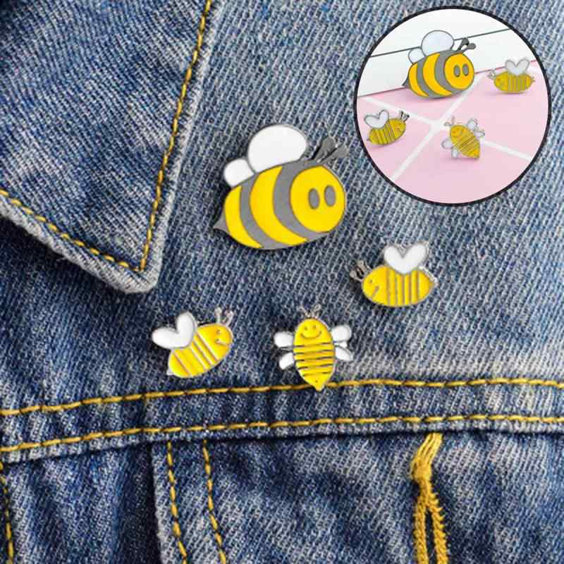 Gioielli di moda Spille Cute Cartoon Bee Insetto Mosca Spilla Bambini Vestiti Delle Ragazze Accessori Nero Giallo Dello Smalto Spille Gioielli Regalo di Compleanno