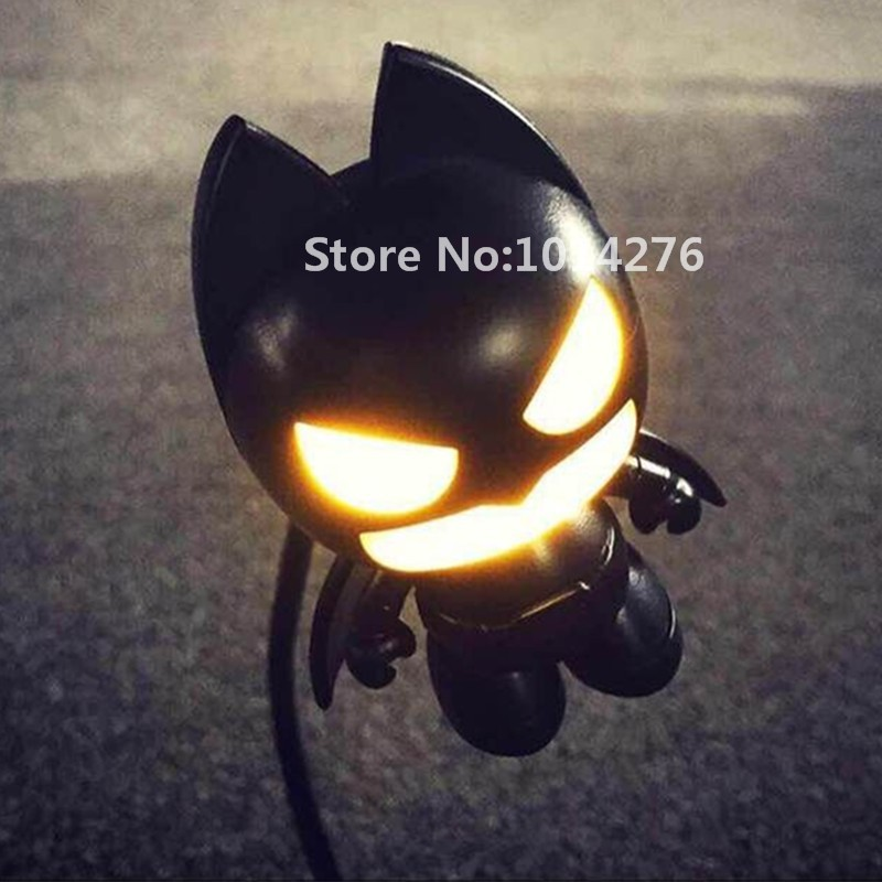 Đèn cảm ứng ánh sáng ban đem Batman
