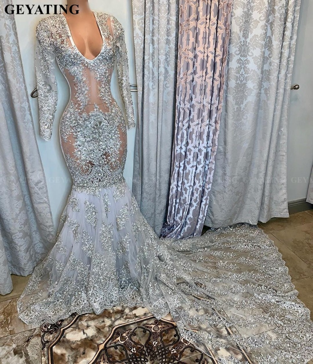 Sexy Sheer Lace Long Sleeves Plus Size Silver Prom Dresses For Black Girls Appliques Beaded V-Neck African Formal Evening Dress