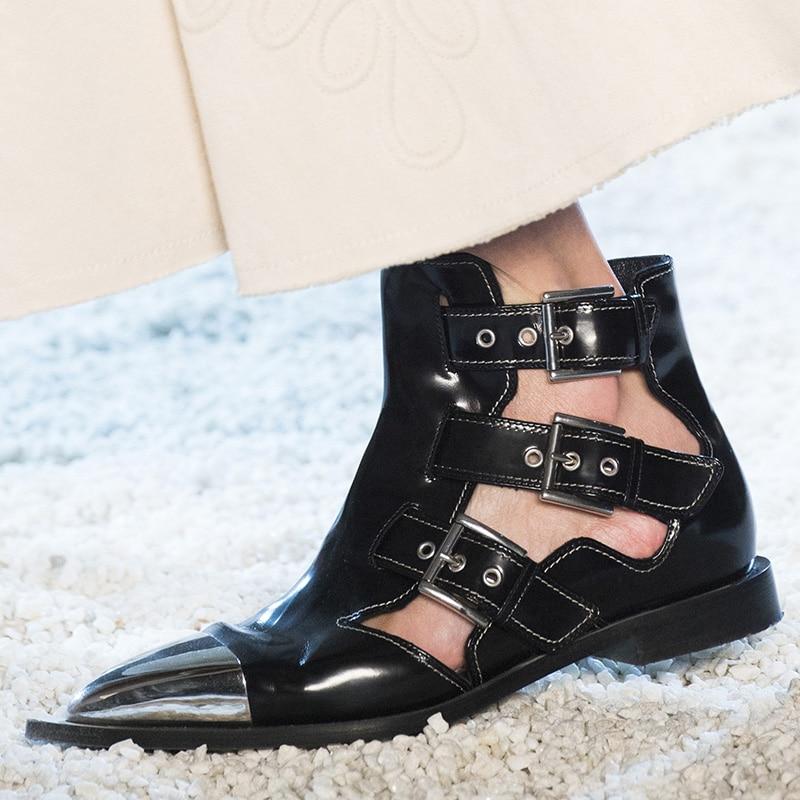 2019 여름 여성 리벳 발목 부츠 벨트 버클 컷 아웃 블랙 짧은 부츠 금속 지적 발가락 펑크 스타일 패션 브랜드 플랫 신발-에서앵클 부츠부터 신발 의  그룹 3