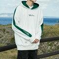 Masculino de lana color del topetón de la personalidad cartas bordado con capucha de lana de chaqueta de los hombres de moda de la calle