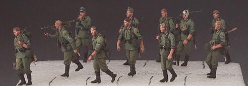 Grande Set 1/35 Resina Kit di Soldati 13 pz/set Non assemblato IncoloreGrande Set 1/35 Resina Kit di Soldati 13 pz/set Non assemblato Incolore