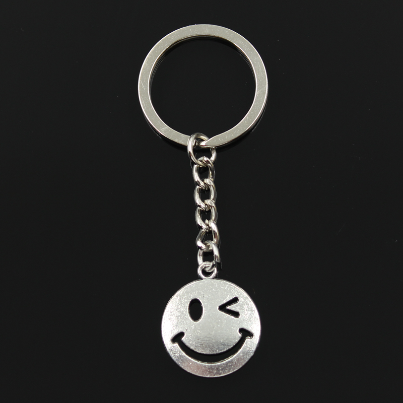 New Fashion Keychain 24*20mm circle smiling face Pendants DIY Men Jewelry Car Key Chain Ring Holder Souvenir For Gift