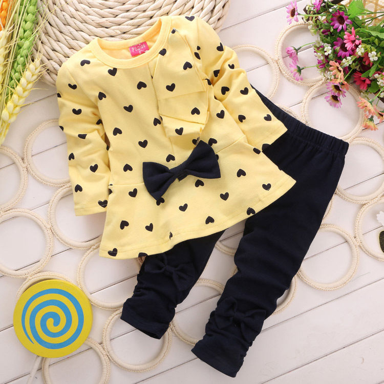 3 color RED green yellow 2017 Children Baby Girl Heart-shaped Autumn Set Bow 2PCS Clothes Set Suit Top Sweater Pants стоимость
