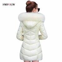 Новинка 2017 г. зимняя куртка Для женщин Пальто для будущих мам искусственный енот волосы воротник женский парка белый толстый хлопок ватник
