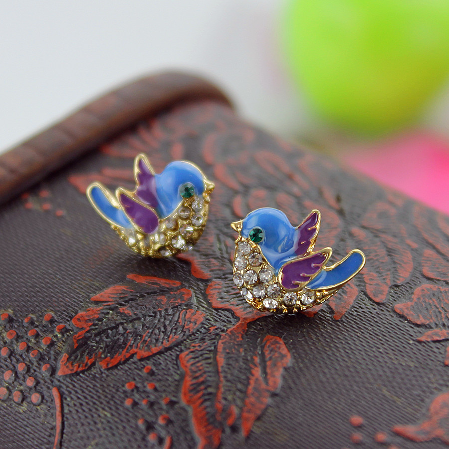 Free Shipping Fashion New Woman Jewelry Blue Bird Gold Alloy Earrings Ladies  Party Gifts Spring And Summer Clothing Accessories