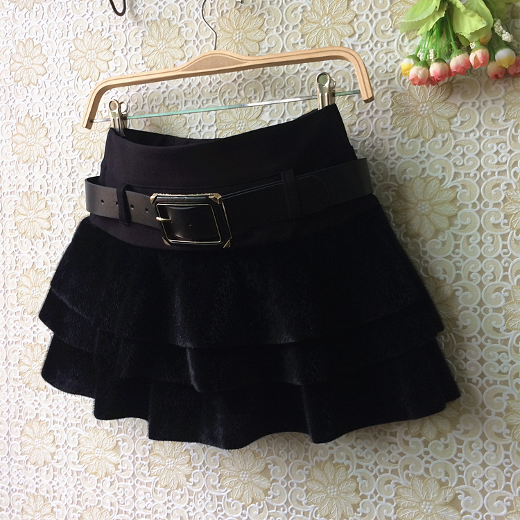 2018  autumn and winter new cake skirt horse pompon  skirt solid color shorts skirt