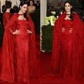 2016 de Encaje Rojo de Manga Larga Vestidos de La Celebridad con Manto Piso-Longitud Vestidos de Noche Por Encargo