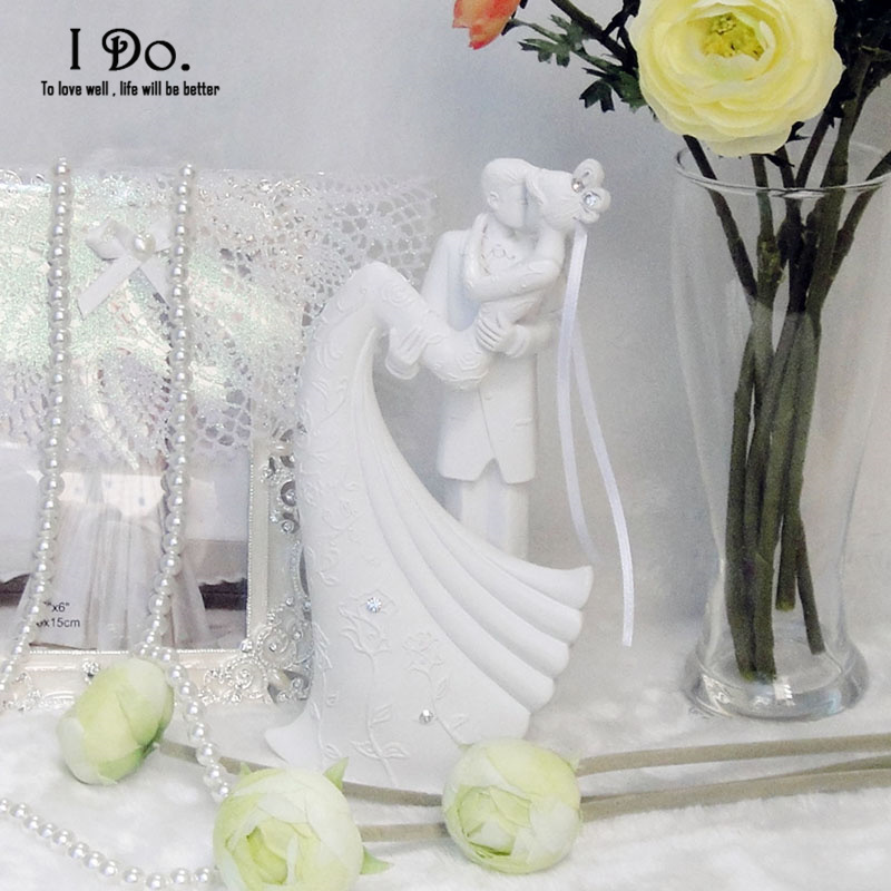 2016 <font><b>Birthday</b></font> Decorations Kids Free Shipping Resin Bride And Groom Wedding Cake Topper Stand Accessories Decoration Casamento