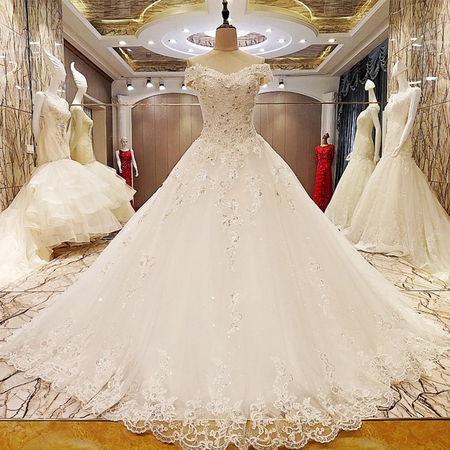 872b5ae291d79 حيوي جديد تصميم خمر فساتين الزفاف الكرة ثوب الدانتيل فساتين زفاف تركيا  مطرزة قطار طويل فستان