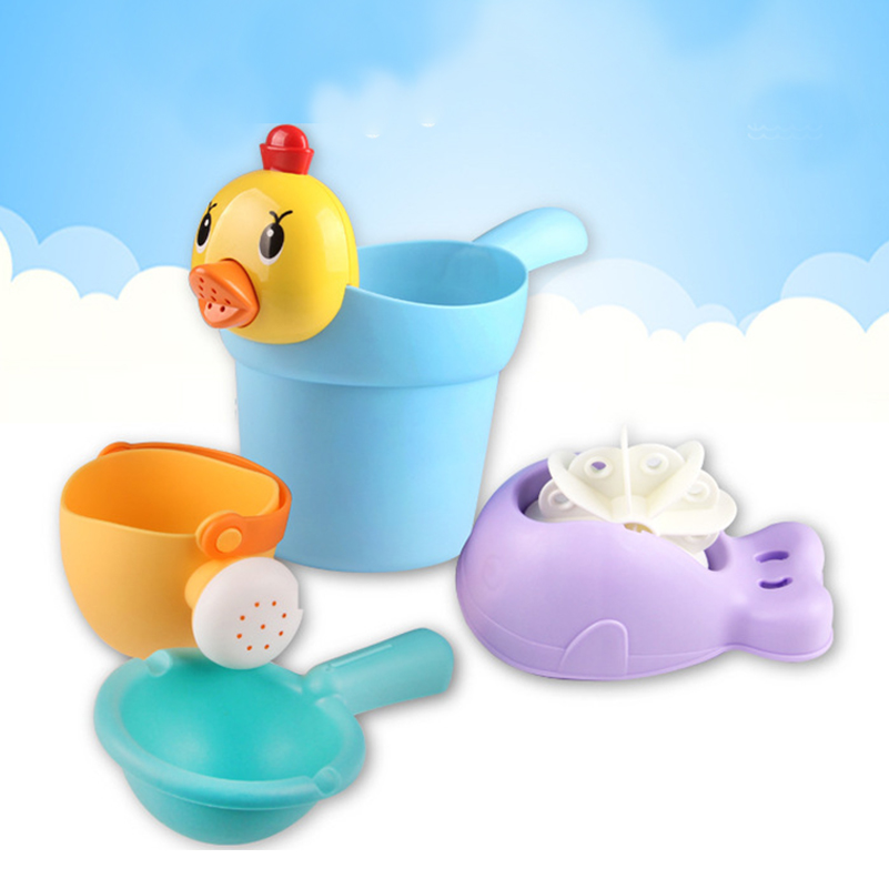 4st / set New Born Baby Bath Leksaker Söt Mini Chick Lärande Utbildningsbad Badstrand Vattenleksaker för barnbarn duschbad