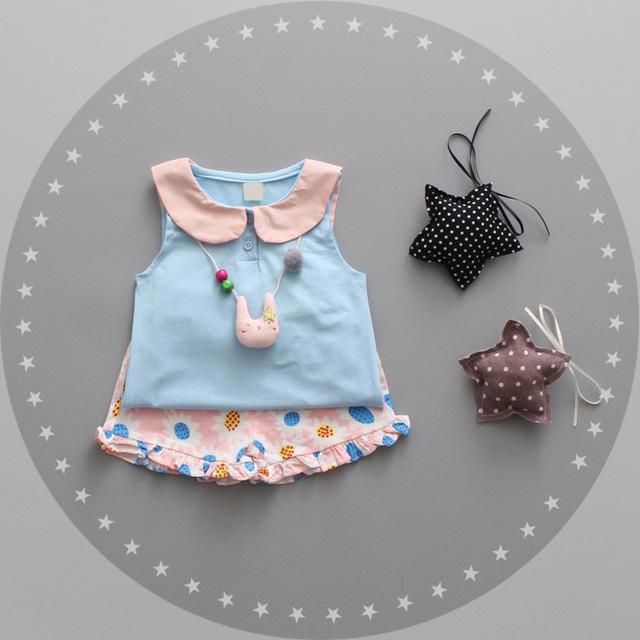 2016 conjuntos de Duas Peças Ternos de verão Roupas de Algodão T-shirt + short two-piece Polka Dot estampas de flores dos desenhos animados Do Bebê roupa das meninas