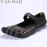 2017 yas bae camouflage große größe design gummi mit fünf finger outdoor lederbeständig atmungsaktive leichte sneaker shoes für männer