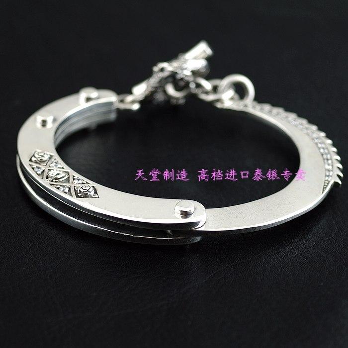 Justin davis novelty handcuffing style silver braceletJustin davis novelty handcuffing style silver bracelet