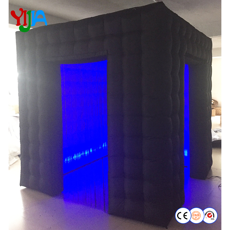 Cabine de Photo gonflable carrée populaire de 2.5 m avec ampoules LED sur le bas et le haut avec 2 portes pour des événements de partie