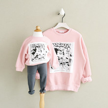 ФОТО family matching clothes autumn matching mother daughter clothes cartoon hoodies fashion brand mother and daughter clothes pink