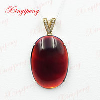 18 k oro giallo con 100% granato naturale ciondolo Semplice e facile Fine jewelry Tutto pulito impeccabile Vino rosso