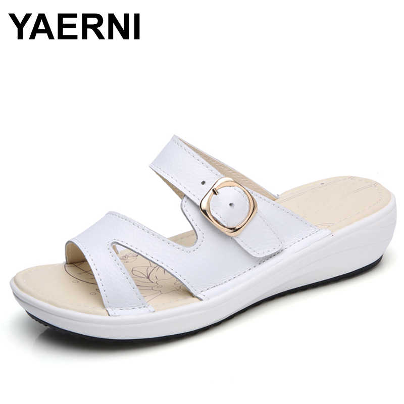 YAERNI 2018 Summer women flat sandals Shoes black white beach slippers round toe comfortable sandals flip flops female shoes 859