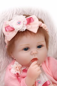 Image 4 - NPKCOLLECTION Bebes Reborn ตุ๊กตา de ซิลิโคนสาว Body 40 ซม. ตุ๊กตาน่ารักตุ๊กตาของเล่นสำหรับหญิง boneca เด็ก Bebe ตุ๊กตาตุ๊กตาที่ดีที่สุดของขวัญของเล่น