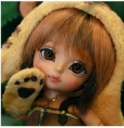 1 8 BJD happy yellow doll