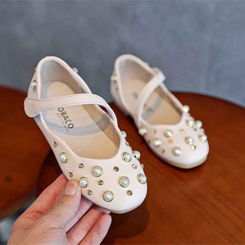 b3f88eaf7c35 Yorkzaler 2018 Children Princess Glitter Sandals Kids Girls Soft Shoes  Dress Party Shoes Elegant Girls Flat Footwear With Pearl-in Sneakers from  Mother ...