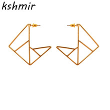 2018 exaggerated fashion earrings Popular geometrical delicate Hollow out stud wholesale