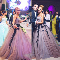 2019 Vintage Black Lace Applique Purple Mother of the Bride Dresses Evening Gowns Sweetheart Ball Gown Special occasions dress