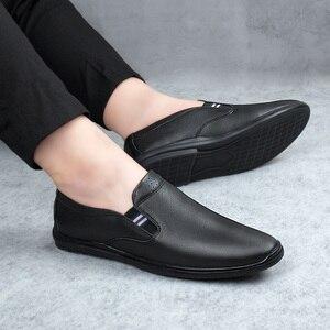 Image 3 - 2020 أحذية رجالي عادية حقيقية أحذية جلدية بدون كعب الذكور الكلاسيكية أبيض أسود الانزلاق على حذاء رجل الشقق أحذية قيادة للرجال حجم 37 46