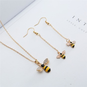 Brand bee jewelry necklace earrings set insect pendant necklace chocker fashion gold color Heart Honeycomb Bee necklace 006 Ожерелье