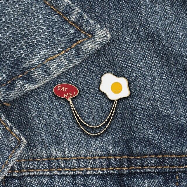 "Fashion Cute Mini Kartun Bros Merah Enamel Huruf ""Makanlah Aku"" Omelette Bros Pin Topi Mantel Tas Rantai Kerah pin untuk Pria Wanita"